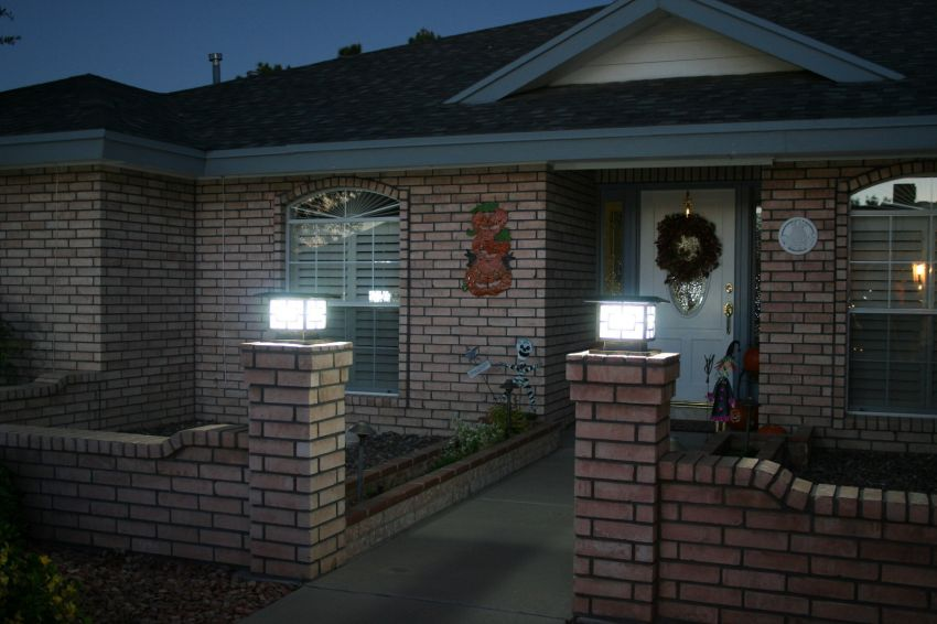 Premium Solar Fence Pillar Light Yardbright Landscape