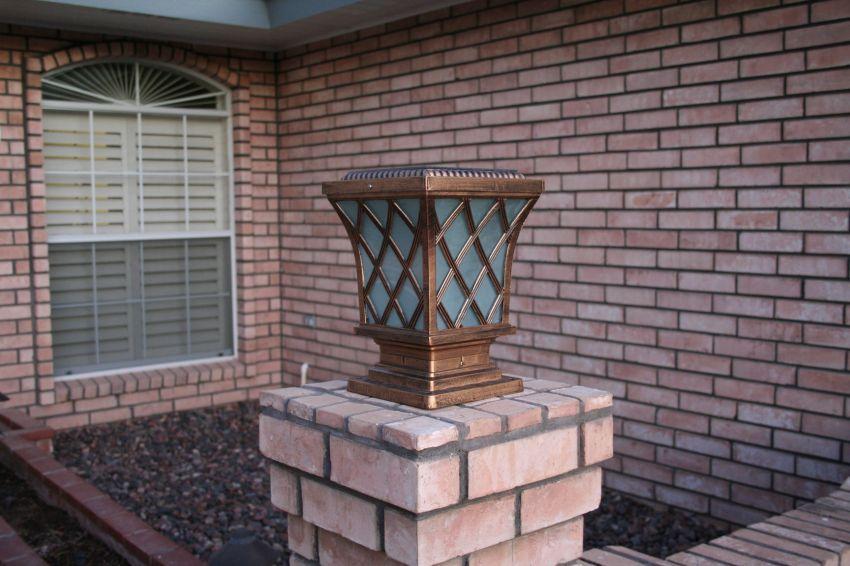 Premium Classic Solar Pillar Light In Bronze Yardbright